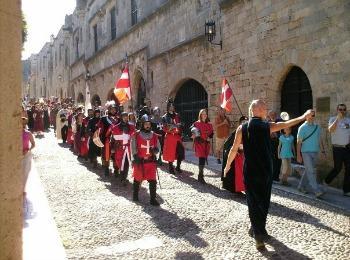 Средневековый фестиваль в городе Родос на острове Родос