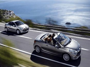 Приятно прокатиться на кабриолете по дорогам Греции