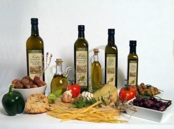 Стандартные бутылки с греческим оливковым маслом