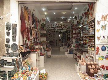 Греческая косметика и сувениры ручной работы