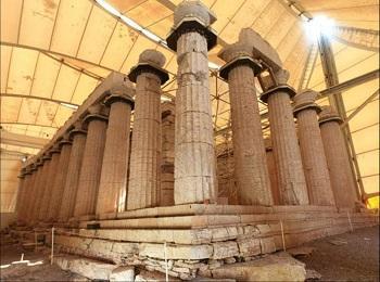 Фрагмент Храма Аполлона Эпикурейского в Бассах, Греция