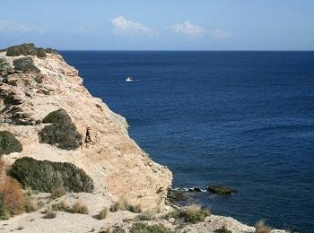 Труднодоступный пляж Левкадия