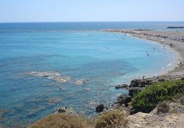 Песчано-галечный пляж Франгокастелло