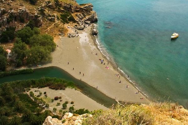Бухту Превели и пальмовый пляж
