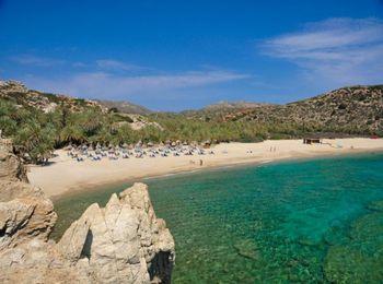 Удивительный цвет воды, чистейший песок на пляже Вай