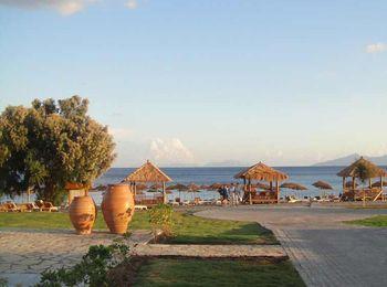 Остров славится большим количеством пляжей