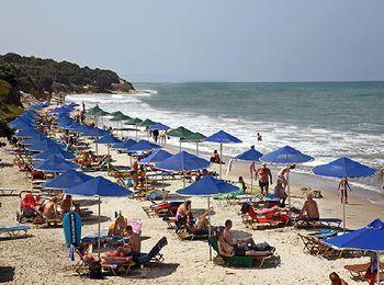 Любители виндсерфинга предпочитают пляж Мастихари