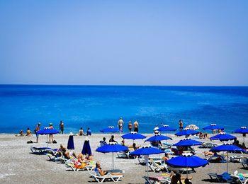 Популярный пляж курорта Фалираки