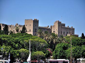 Знаменитая Родосская крепость