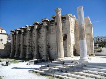Бывший культурный центр империи - Библиотека Адриана