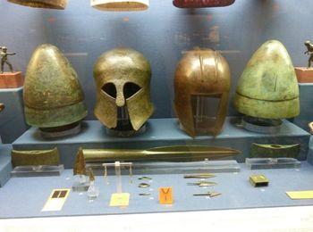 Экспонаты музея Бенаки