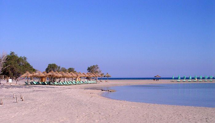 Розовый пляж Элафониси