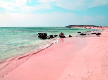 Самый знаменитый розовый пляж Элафониси
