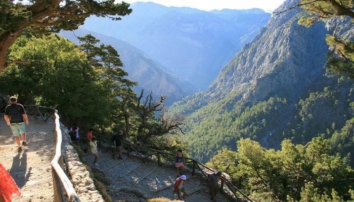Самарийское ущелье, недалеко от деревни Омалос