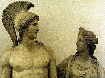 Основателем Афин является Тесей