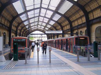 В Афинах есть троллейбусы, метро, автобусы