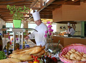 Настоящая греческая кухня в местных ресторанах