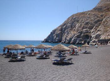 Пляж Камари длиной в 5 км