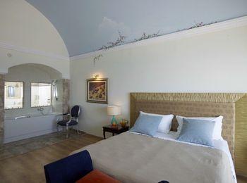 Уютный номер Atrium Prestige Thalasso Spa Resort