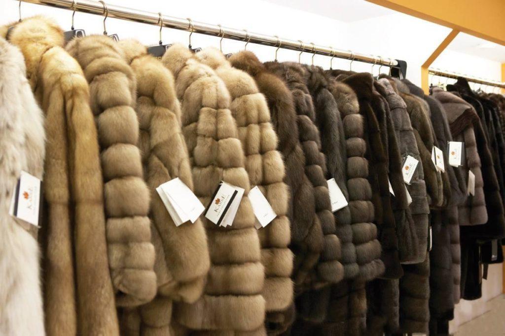 Меховые пальто из коричневой норки