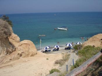 Херсониссос на Крите, пляж Сарандари