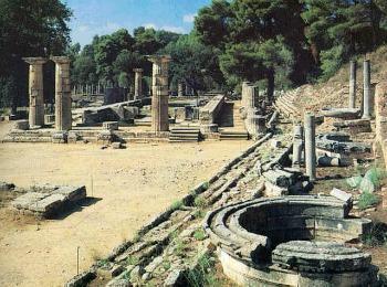 Руины храма Геры в древней Олимпии