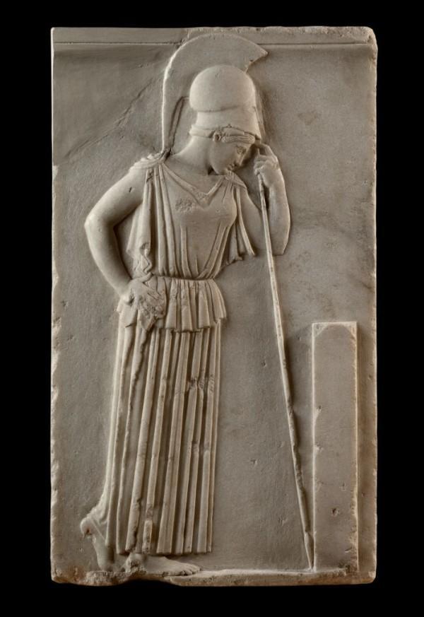 Фреска, изображающая богиню Афину, опирающуюся на своё копьё