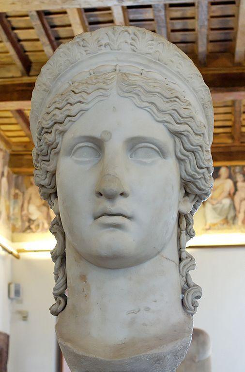 Голова богини Геры