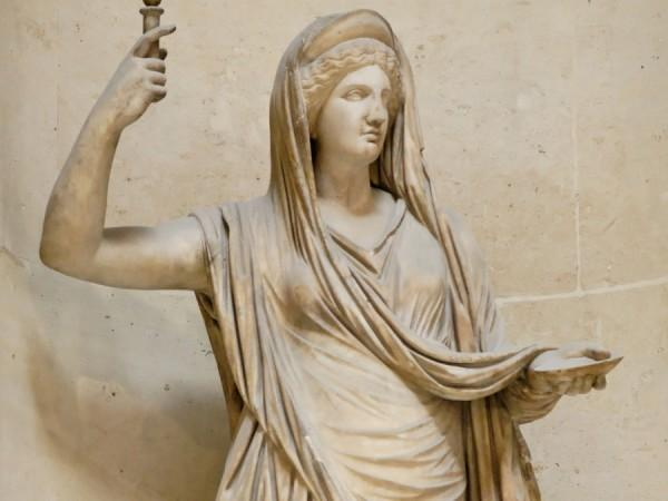 Статуя Геры - жены Зевса