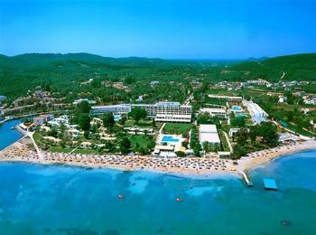 Общий вид отеля Мессонги Бич на острове Корфу