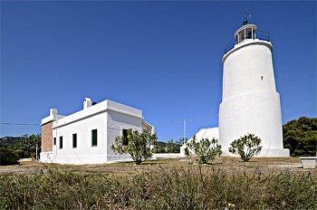 Первый гречекий маяк, остров Спецес, Греция