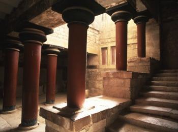 Колоны Кносского дворца, Крит, Греция