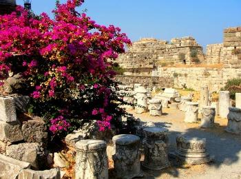 Замок рыцарей-ионитов в городе Кос, остров Кос, Греция