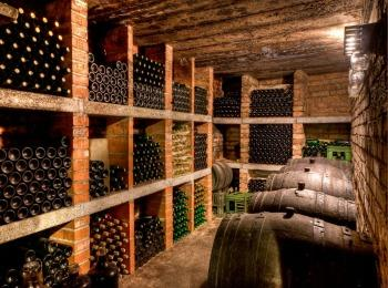 Погреб с вином, Греция