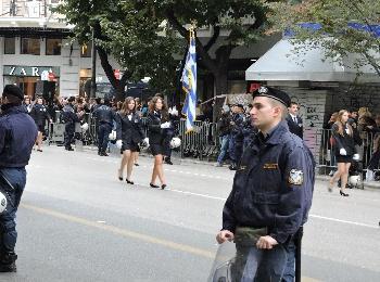 """Национальный праздник Греции """"Охи"""" в Салониках"""