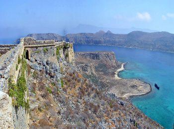 Остров Грамвуса известен еще и как «пиратский остров»