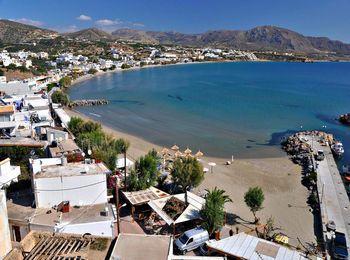 Деревенька Макриалос со своим песчаным пляжем на Крите