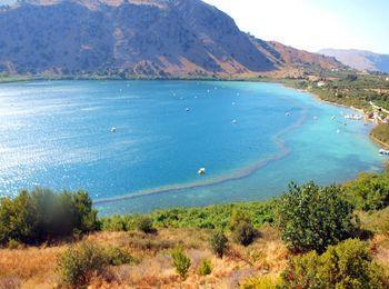 Озеро Курнас на Крите