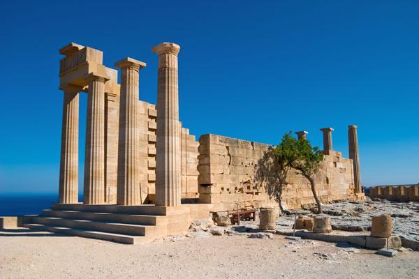 Руины древнего акрополя