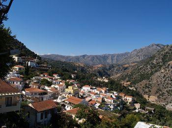 Горный поселок Аргируполи на Крите