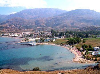 Пляж Каливаки, был отмечен Голубым Флагом - международной наградой за чистоту