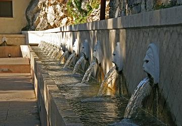 Старинный венецианский фонтан
