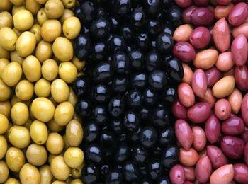 Различия между оливками и маслинами
