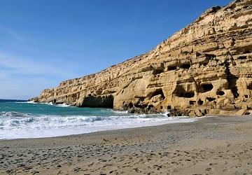 Скалы на берегу Ливийского моря