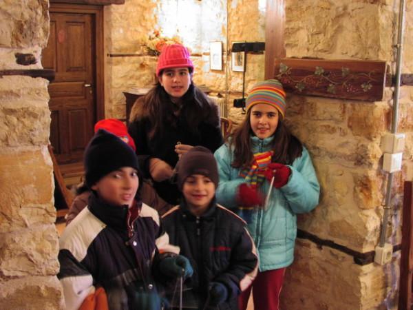 Дети поют каланда