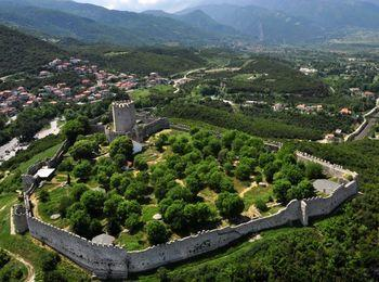 Знаменитая крепость в Платамонасе