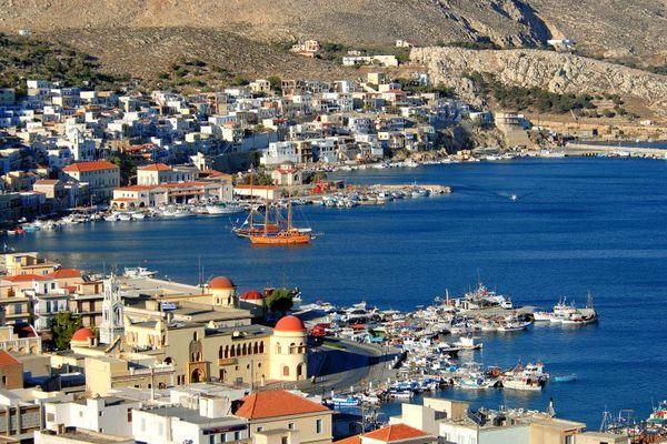 Недалеко от поселка находится остров Калимнос