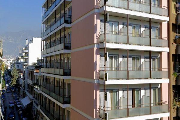 Высокое здание Nefeli Volos Hotel 3*