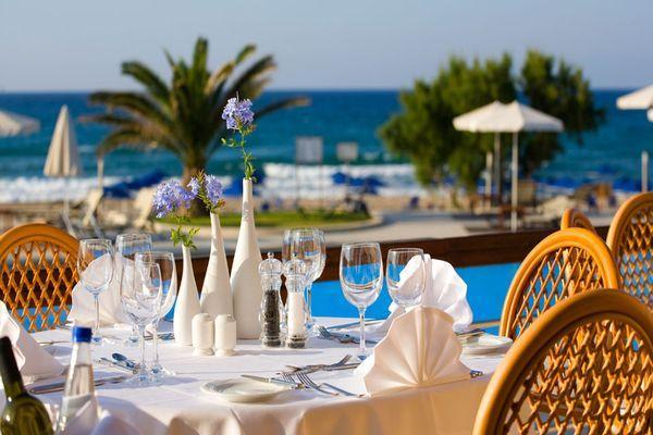 Греческую кухню представляет ресторан Ariadne
