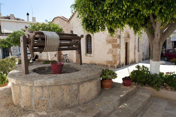 Самая старая церковь Панагия Галатиани